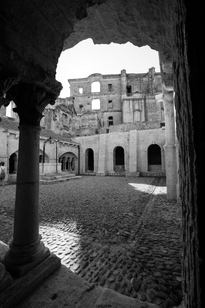 Abbaye de Montmajour, Arles