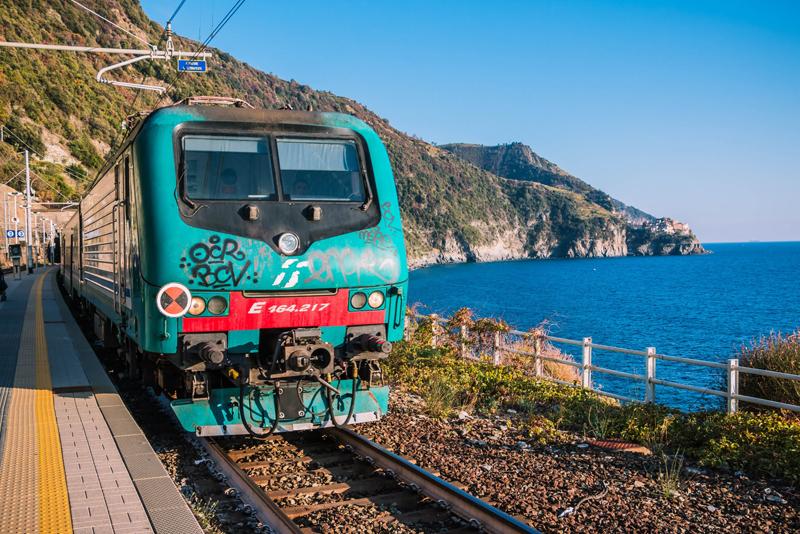 Train, Cinque Terre, Italie