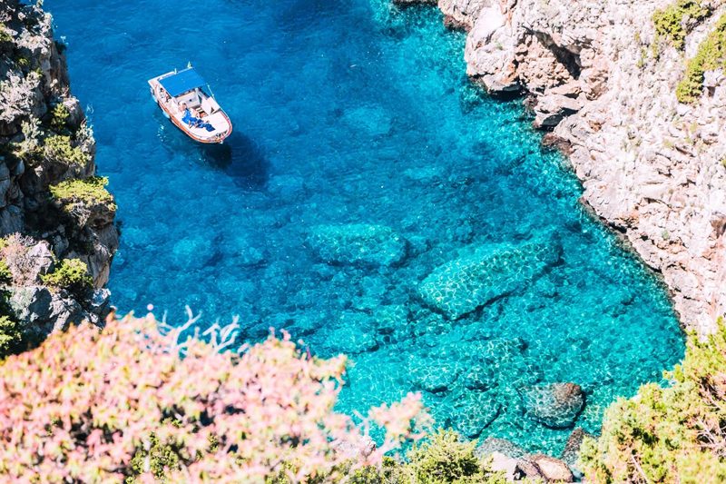 Capri, Crique